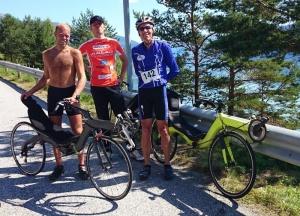 Historische zege M5 ligfiets in bergetappe Vikingtour te midden van 150 racefietsers