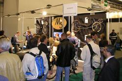 Salon du Cycle 2005: M5 stand druk bezocht